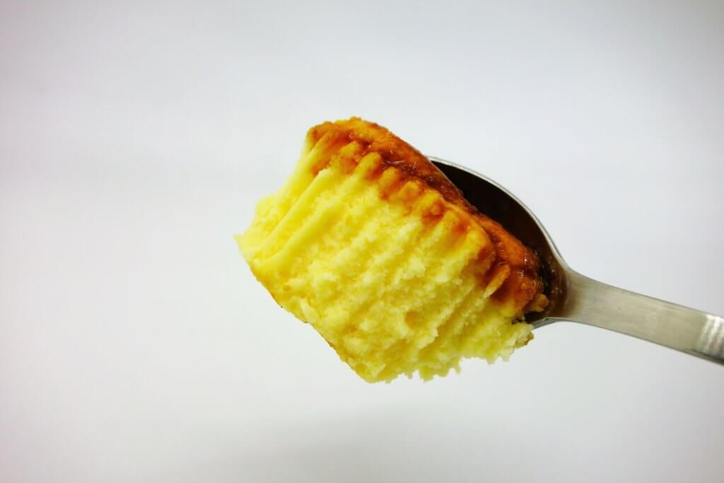 バスチーバスク風チーズケーキのひとくち